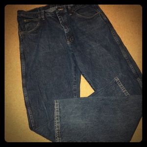 Wrangler Mens Relaxed Fit Medium Wash Jeans
